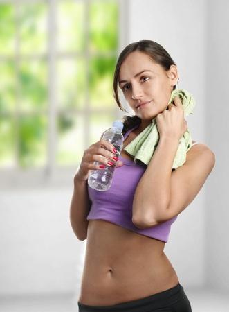 Beautiful young woman doing sport Stock Photo - 13405694