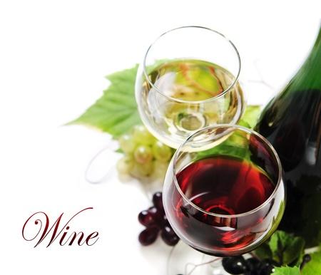 Verre de vin rouge et blanc sur fond blanc Banque d'images - 14013611
