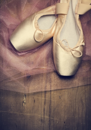 ballet slipper: Point shoes on wooden