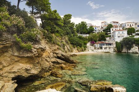 skiathos: Beautiful bay in Skiathos town, Greece