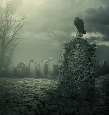 夜の墓地。ハロウィンのコンセプトです。木目テクスチャが追加されます。 写真素材