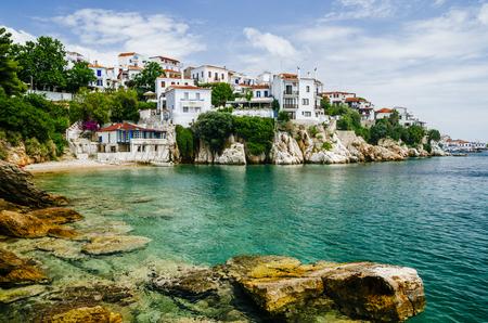 Widok starego miasta na wyspie Skiathos, Sporady, Grecja.