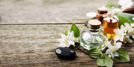 Aromatherapy with essential and massage organic oil handmade with jasmine, cinnamon and vanilla. Banco de Imagens