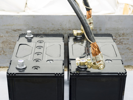 12v: 12v battery on full charge in use