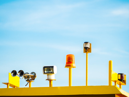 precaution: lighting signal lamp installed outdoor on warning equipment to precaution some risk situations