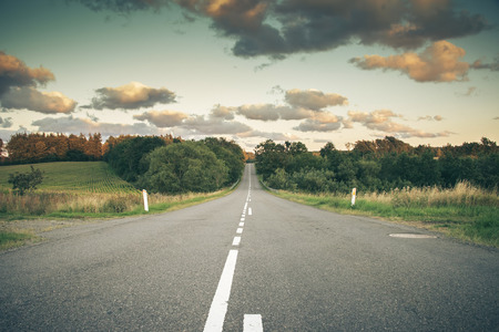 goal oriented: Country road