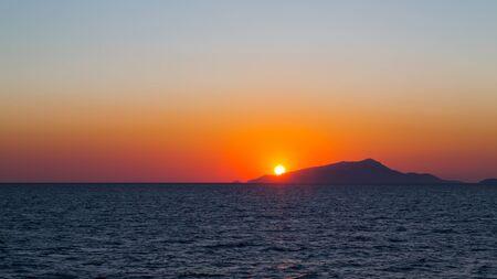 Sunset in Tyrrhenian Sea in the area of Capri, Italy. 免版税图像