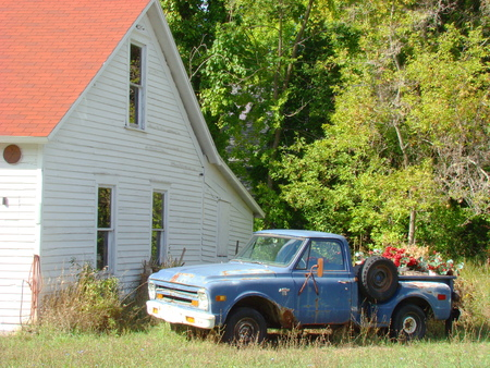 Barn and truck Stock Photo - 1685651