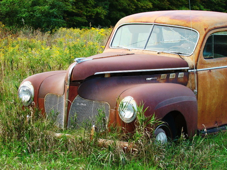 bygone: Rusted car