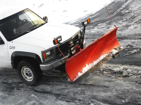 plowing: Arando la nieve