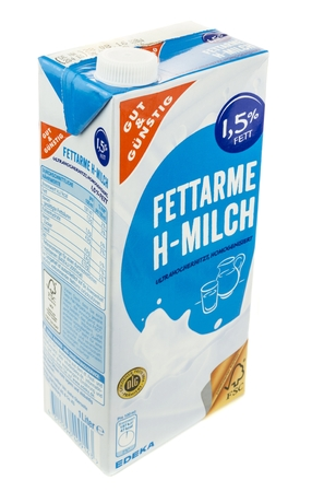 liter: NIEDERSACHSEN, GERMANY JUNE 29, 2016: A one liter carton of milk on a white background