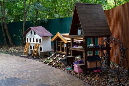 Zelenogradsk, Russia - October 2020: Kurortny prospect. Houses for urban cats. 新聞圖片