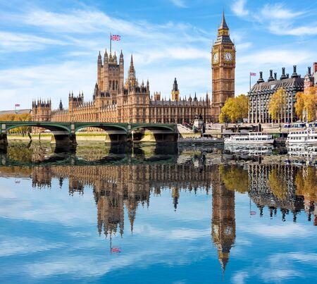 Casas del Parlamento y el Big Ben, Londres, Reino Unido. Foto de archivo