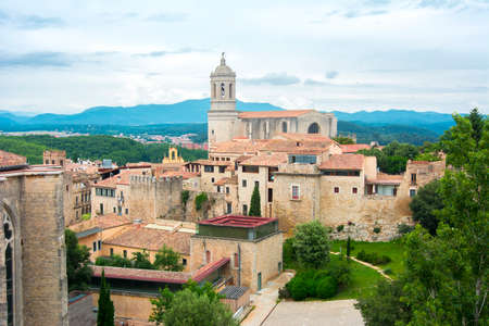 Girona Cathedral and old town, Spain 新聞圖片