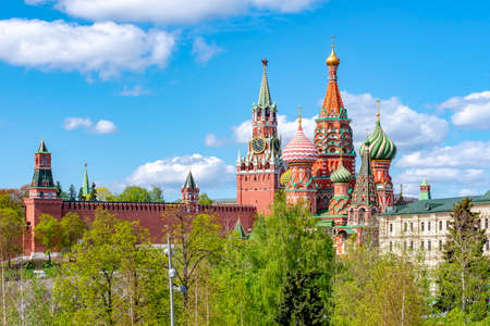 Cathedral of Vasily the Blessed (Saint Basil's Cathedral) and Spasskaya Tower on Red Square, Moscow, Russia Stok Fotoğraf