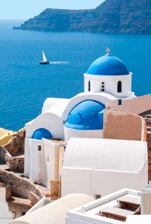 Traditional church in Oia, Santorini, Greece Stockfoto