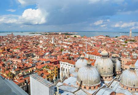 Venice cityscape from St Mark's Campanile top, Italy 免版税图像