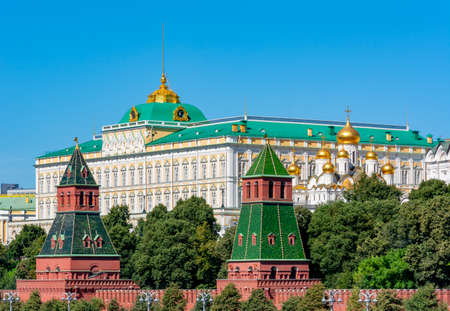 Grand Kremlin palace and towers of Moscow Kremlin, Russia 新闻类图片
