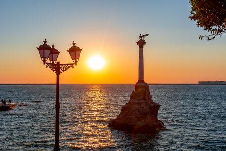 Monument to Sunken Ships in Sevastopol at sunset, Crimea peninsula 新闻类图片