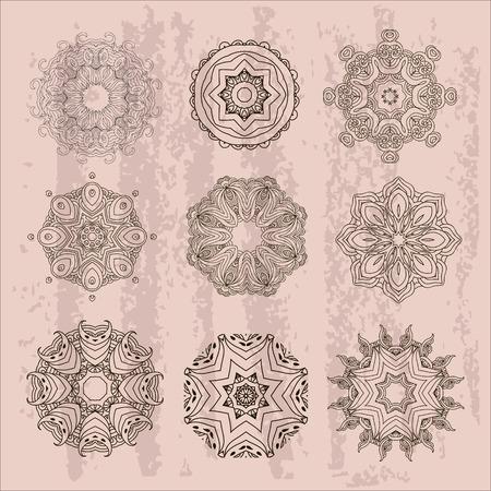 Satz Entwurfsmandalen, Boho-Art. Araber und Inder, tibetanische Verzierung. Übergeben Sie gezogenen dekorativen Hintergrund, dekoratives Element für ethnischen Shop oder als Muster für Webdesign. Vektorgrafik