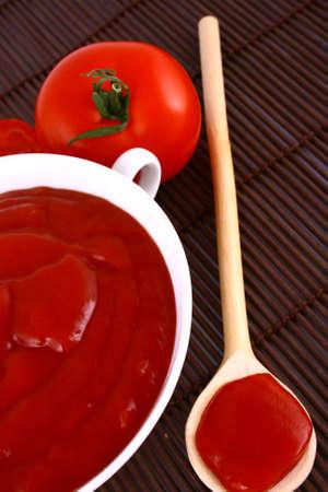 potherb: Food ingredients - tomato paste jar-red tomato