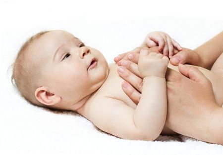 baby massage: massage pour b�b�