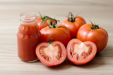 jugo de tomate: Fresh Tomato Juice. Foto de archivo