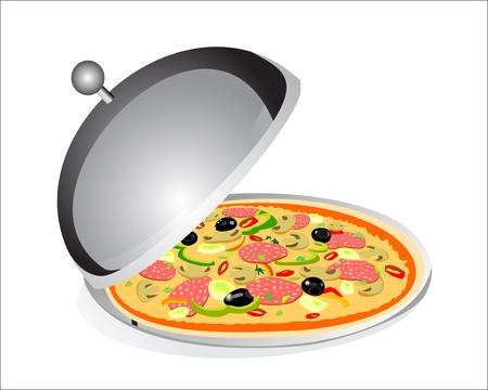 fiambres: Pizza con jam�n, pimientos y aceitunas en la placa bandeja debajo de la cubierta de alimentos aislados sobre fondo blanco
