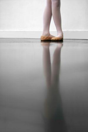 zapatillas ballet: Joven bailar�n en 5 � posici�n