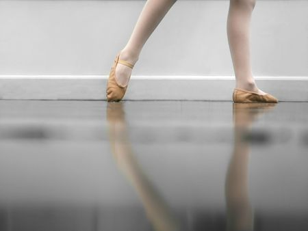 zapatillas ballet: Joven bailar�n  Foto de archivo