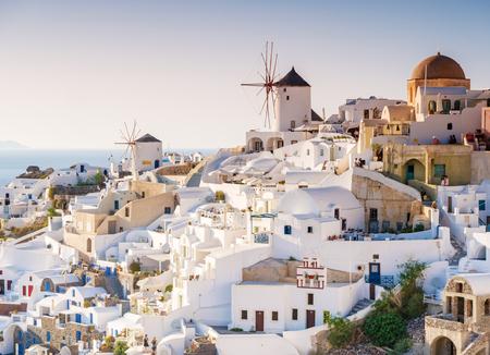 地中海のサントリーニ島のギリシャ語からの印象