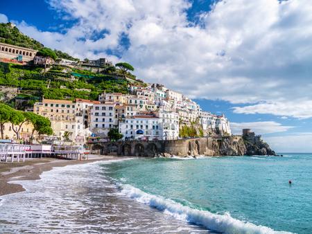 De kust van Amalfi in Italië