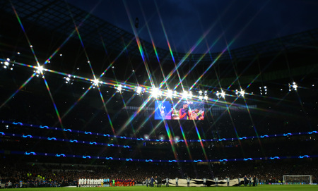 LONDON, ENGLAND: 09 MAR 2019. (Editors note, a star filter was placed on the lens to create this effect) a general view as the teams line up for the UEFA Champions League Quarter Final, First Leg match Редакционное