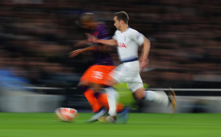 LONDON, ENGLAND: 09 MAR 2019. Fernandinho of Man City and Harry Winks of Tottenham compete for the ball  during the UEFA Champions League Quarter Final, First Leg match Редакционное