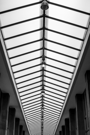 Skylight architecture with rib pattern and windows modern architecture in a shopping mall 免版税图像