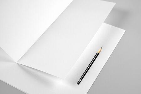Blank Folded Sheet of Paper or Letterhead and Pencil Standard-Bild