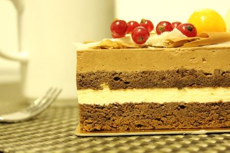 piped: chocolate cake