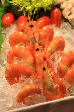 the Boiled shrimp on ice in restaurant Stock Photo - 13562538