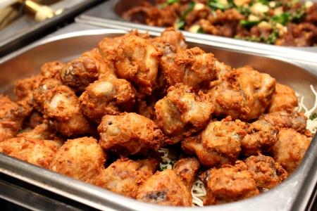 pollo frito: Una deliciosa sur dorados de pollo frito