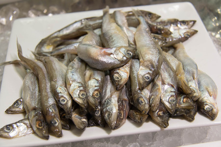 lanceolatus: Shishamo fish, smelt fish in the food shop