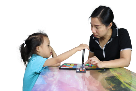 asian child and mom playing toy game Фото со стока - 120253921