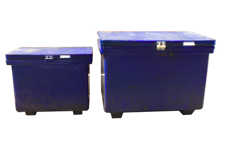 old ice box in Thailand can put drinks, many of which are immersed in a this box being covered by ices for sale in the market High resolution image gallery. 版權商用圖片