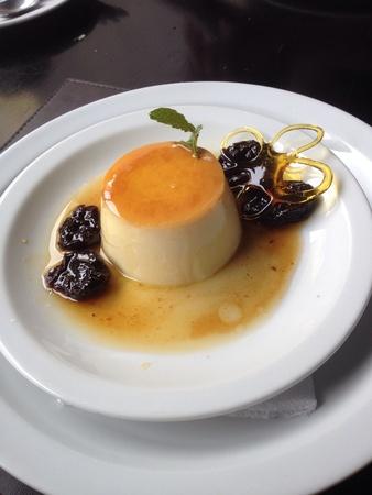 mondo: Melhor do Mundo the best pudding on the world served in So Paulo, Brazil