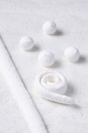 Coconut Marshmallow Candy, on snow white background. Banque d'images
