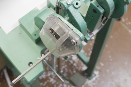 clench: metal rivet or clench mashine for postprinting process