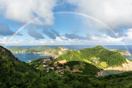 虹は、聖人 (アイルズ デ サント) の島々 テッレ ・ デ ・ オー
