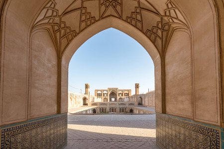 カーシャーン、イラン - 2016 年 8 月 28 日: アガー Bozorg モスク 報道画像