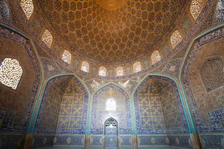 ISFAHAN, IRAN – AUG 29, 2016: interior ceiling of Sheikh Lotfollah Mosque. The mosque and the Naqsh-e Jahan Square are one of UNESCOs world heritage sites