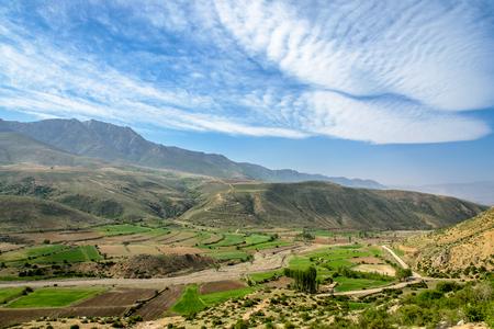Badab e スルト、イラン周辺のマウンテン ビュー