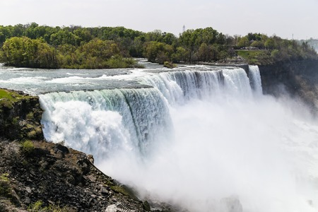 plunging: Water plunging down Niagara Falls